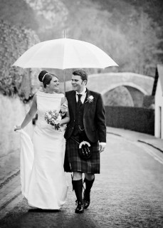 Rainy wedding day at the Brig o Doon hotel